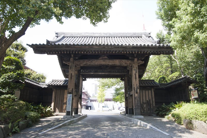 旧方丈門(黒門)